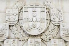 Ασπίδα της Πορτογαλίας που χαράζεται στην πέτρα στοκ εικόνες