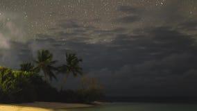 Αστέρια νυχτερινού ουρανού Timelapse Παραλία και θάλασσα απόθεμα βίντεο