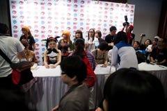 Αστέρια της Ιαπωνίας Anime στη σύνοδο αυτόγραφου στο φεστιβάλ Ασία Anime - Στοκ Εικόνες