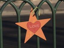 Αστέρι αγάπης που συνδέεται με έναν φράκτη - ΛΑΣ ΒΈΓΚΑΣ - ΝΕΒΑΔΑ - 12 Οκτωβρίου 2017 Στοκ φωτογραφία με δικαίωμα ελεύθερης χρήσης
