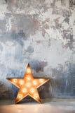 Αστέρι μετάλλων με τους λαμπτήρες Στοκ φωτογραφίες με δικαίωμα ελεύθερης χρήσης