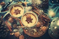 Αστέρι μορφής ποτών φλυτζανιών καρυκευμάτων τσαγιού της Apple Χριστουγέννων Στοκ Φωτογραφία
