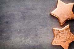 αστέρι χαλκού Πρότυπο Χριστουγέννων Υπόβαθρο στο γκρίζο χρώμα Στοκ εικόνες με δικαίωμα ελεύθερης χρήσης