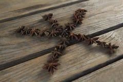 Αστέρι anises που τακτοποιείται στη μορφή αστεριών Στοκ φωτογραφία με δικαίωμα ελεύθερης χρήσης