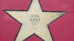 Αστέρι Senta Berger στα αστέρια λεωφόρων der, περίπατος της φήμης στο Βερολίνο απόθεμα βίντεο