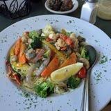 Αστακός Scampi με τα λαχανικά στοκ φωτογραφία με δικαίωμα ελεύθερης χρήσης