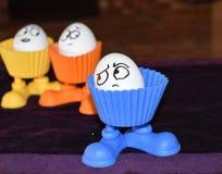 Αστεία αυγά με τις εκφράσεις του προσώπου κουτσομπολιού Στοκ φωτογραφία με δικαίωμα ελεύθερης χρήσης