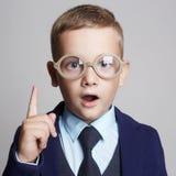 αστεία γυαλιά παιδιών παιδιά μεγαλοφυίας Στοκ φωτογραφία με δικαίωμα ελεύθερης χρήσης