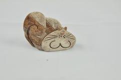 Αστεία διακοσμητική γάτα πετρών στοκ εικόνες με δικαίωμα ελεύθερης χρήσης