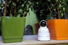 Αστεία κάμερα παρακολούθησης υπό μορφή ρομπότ Στοκ φωτογραφίες με δικαίωμα ελεύθερης χρήσης