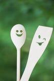 Αστεία κάνοντας πρόσωπα ξύλινα κουτάλια Στοκ εικόνες με δικαίωμα ελεύθερης χρήσης