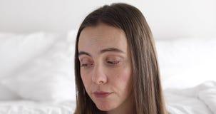 Αστεία λυπημένη γυναίκα απόθεμα βίντεο