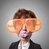 Αστεία μεγάλη επικεφαλής επιχειρησιακή γυναίκα μαριονετών Στοκ Φωτογραφία