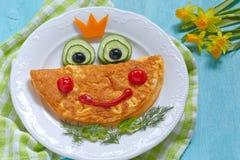 Αστεία ομελέτα πριγκηπισσών βατράχων χαμόγελου στοκ εικόνα με δικαίωμα ελεύθερης χρήσης
