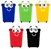 Αστείες ζωηρόχρωμες ανακύκλωσης μασκότ δοχείων ελεύθερη απεικόνιση δικαιώματος