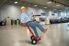 Αστείος βιομηχανικός εργάτης, ασφάλεια εργασίας