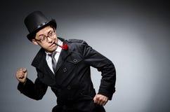 Αστείος ιδιωτικός αστυνομικός με το σωλήνα Στοκ Φωτογραφίες