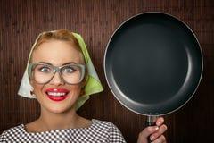 Αστείος μάγειρας γυναικών Στοκ εικόνα με δικαίωμα ελεύθερης χρήσης