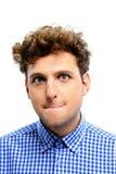Αστείος νεαρός άνδρας με τη σγουρή τρίχα στοκ φωτογραφία