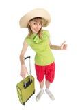Αστείος τουρίστας κοριτσιών με την τσάντα στην πράσινη μπλούζα στοκ φωτογραφίες με δικαίωμα ελεύθερης χρήσης