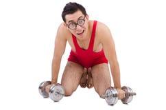 Αστείος τύπος με τα dumbbels Στοκ Φωτογραφίες