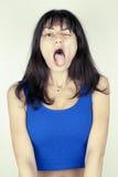 Αστείο άσχημο πορτρέτο κοριτσιών Στοκ εικόνες με δικαίωμα ελεύθερης χρήσης