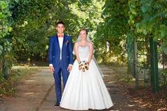 Αστείο ζεύγος, γαμήλια φωτογραφία Στοκ εικόνα με δικαίωμα ελεύθερης χρήσης