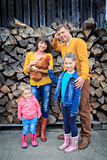 αστείο διάνυσμα απεικόνισης οικογενειακών αγροκτημάτων κινούμενων σχεδίων Στοκ εικόνες με δικαίωμα ελεύθερης χρήσης
