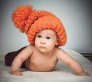 αστείο καπέλο κοριτσιών &la Στοκ Φωτογραφίες