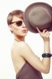 Αστείο κορίτσι πορτρέτου με το καπέλο Στοκ εικόνες με δικαίωμα ελεύθερης χρήσης