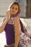 αστείο κορίτσι προσώπου κινητών τηλεφώνων Στοκ Εικόνες