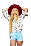 Αστείο μοντέρνο πρότυπο κορίτσι στο περιστασιακό σύγχρονο ύφασμα hipster Στοκ Εικόνες