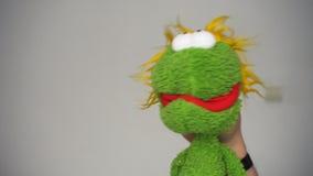 Αστείο πράσινο μαριονετών απόθεμα βίντεο