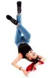 Αστείο redhead κορίτσι που βάζει σε την πίσω Στοκ Εικόνες