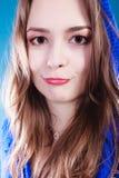Αστείο smilling νέο κορίτσι Στοκ φωτογραφία με δικαίωμα ελεύθερης χρήσης