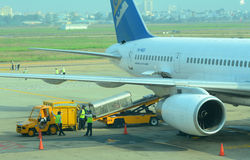 Αστικά αεροσκάφη που σταθμεύουν στο γιο Nhat της Tan το διεθνή αερολιμένα Στοκ Εικόνες