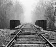 Αστικές διαδρομές αμαξοστοιχιών περιφερειακού σιδηροδρόμου πόλεων στοκ φωτογραφίες