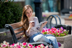 αστικές νεολαίες γυναικών σκηνής πόλεων Στοκ φωτογραφίες με δικαίωμα ελεύθερης χρήσης