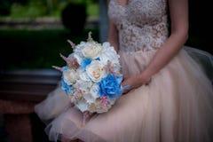 Αστική γαμήλια ανθοδέσμη στοκ φωτογραφίες με δικαίωμα ελεύθερης χρήσης