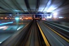 Αστική κυκλοφορία νύχτας στοκ φωτογραφία με δικαίωμα ελεύθερης χρήσης