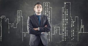 Αστική πόλη επιχειρηματιών και σχεδίων στοκ φωτογραφίες με δικαίωμα ελεύθερης χρήσης