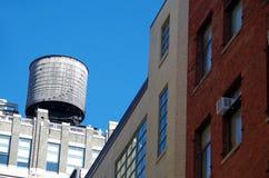 Αστικοί πύργοι νερού πόλεων της Νέας Υόρκης Στοκ Εικόνες