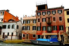 Αστικό τοπίο σε Murano, Ιταλία, σε μια βροχερή ημέρα Στοκ Εικόνα