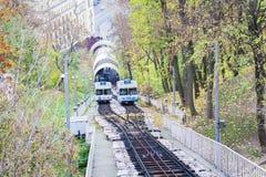 Αστικό funicular δημοφιλείς δημόσιες συγκοινωνίες του Κίεβου, Ουκρανία †« στοκ εικόνα