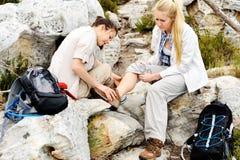 Αστράγαλος τραυματισμών πεζοπορίας Στοκ φωτογραφία με δικαίωμα ελεύθερης χρήσης
