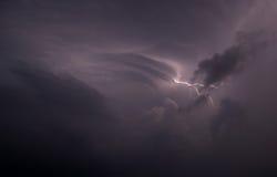 Αστραπή στον ουρανό Στοκ εικόνα με δικαίωμα ελεύθερης χρήσης
