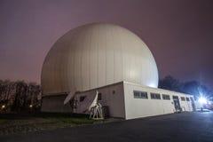 αστρονομικό παρατηρητήριο Μπόχουμ Γερμανία τη νύχτα Στοκ Εικόνες