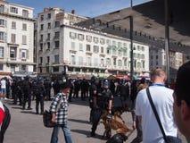 Αστυνομία και αγγλικοί ανεμιστήρες στη Μασσαλία Στοκ Φωτογραφία
