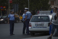 Αστυνομικοί κατά τη διάρκεια της διαμαρτυρίας στο Βουκουρέστι ενάντια στην εξόρυξη χρυσού Στοκ εικόνα με δικαίωμα ελεύθερης χρήσης