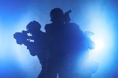 Αστυνομικοί SWAT Στοκ εικόνες με δικαίωμα ελεύθερης χρήσης